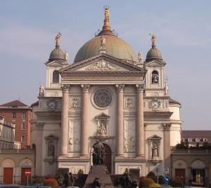 800px-Santuario_di_Maria_Ausiliatrice_Torino